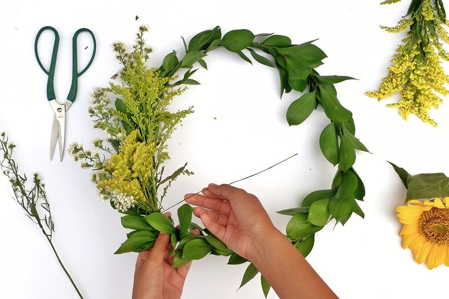 Learn-To-Make-Sunny-Wreath
