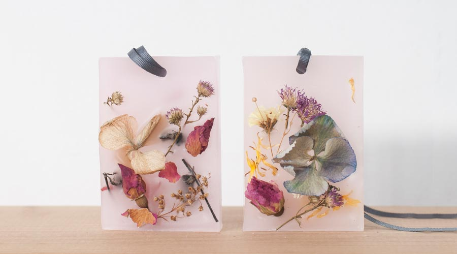 botanical-wax-sachet