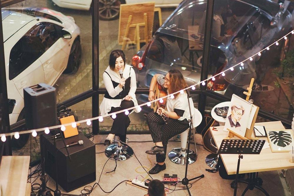 Night-Market-Singers